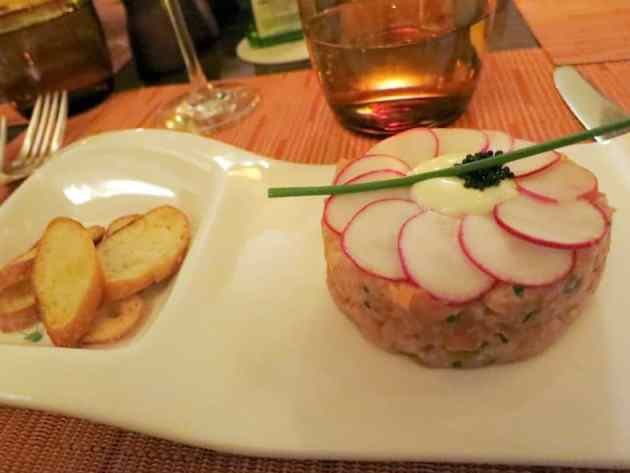 Salmon tartare at Sirio