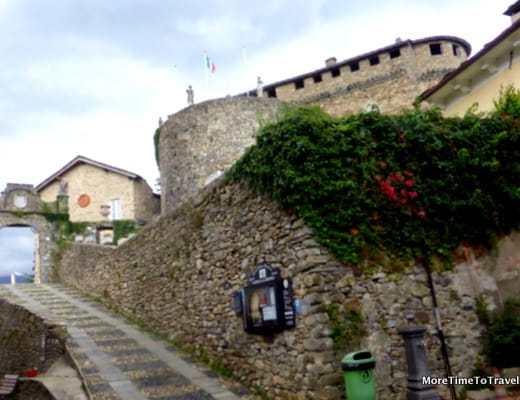Road to the Castello di Compiano