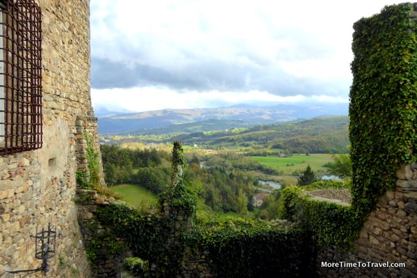 View of Taro valley from the Castle