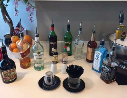 Serve-yourself bar at the Wingtips Lounge