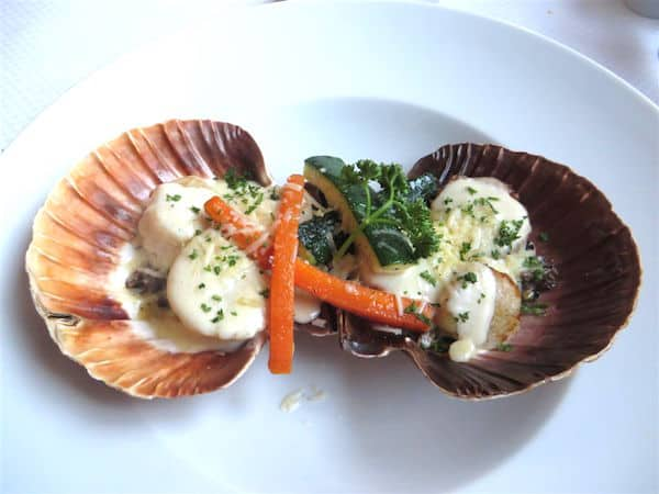 Coquilles St Jacques at Stella (Credit: John and Sandra Nowlan)