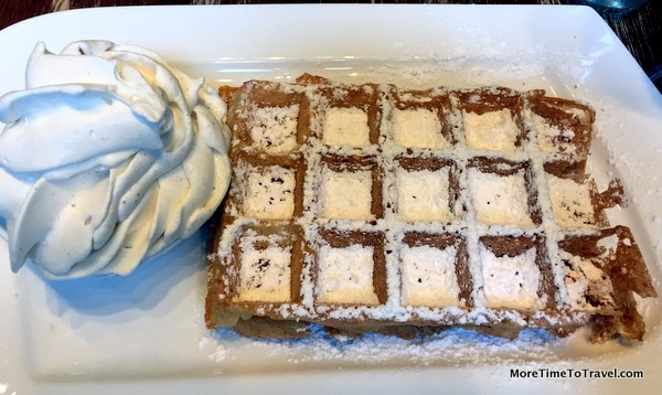 Brussels-style waffle at Maison Dandoy