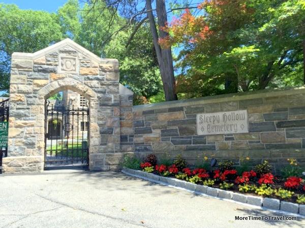 Stone entrance to Sleepy Hollow Cemetery