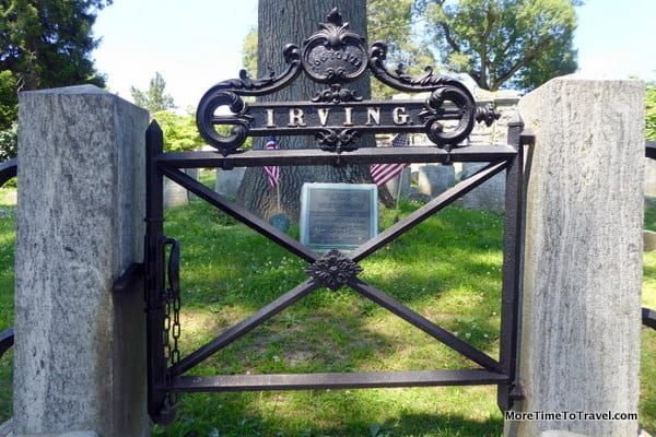 Cast iron gate leading to Irving Family gravesite at Sleepy Hollow Cemetery (Photo credit: Jerome Levine)