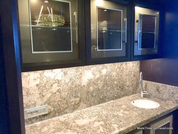 Wetbar in the Penthouse Suite on the Seven Seas Explorer (Credit: Regent Seven Seas Cruises)