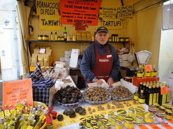 A truffle vendor at the fair in Sant'Agata Feltria
