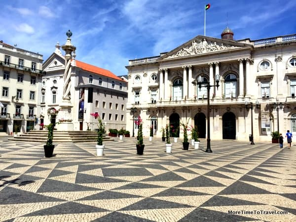 Praca do Municipo with Lisbon Town Hall