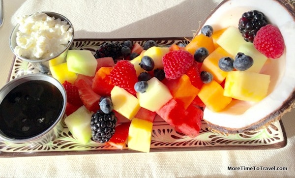 A fruit plate like no other
