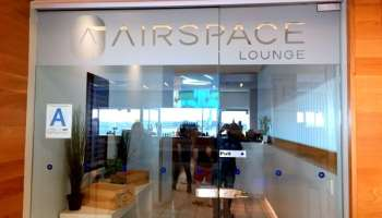 Lounge Review: Wingtips Lounge or Delta Sky Lounge at