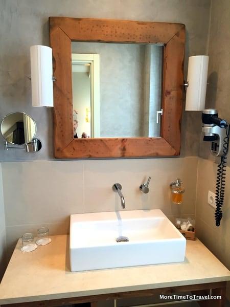 Bathroom in Room 206 La Tabaccia