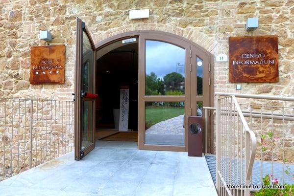Entrance to La Tabaccaia