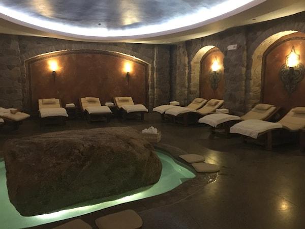 Sybaritic spa at Mirbeau (Photo credit: Nancy Monson)