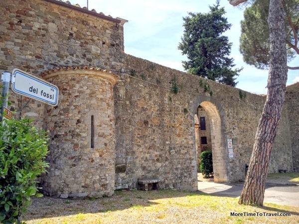 The walls of San Gusme