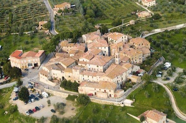 Aerial view of San Gusme (Photo credit: http://www.castelnuovo-berardenga.com/)