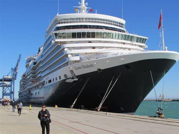 The Queen Elizabeth, dockside