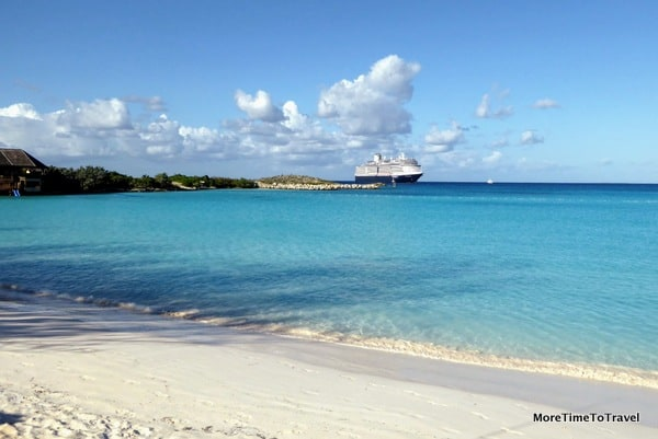 White sandy beach at Half Moon Cay