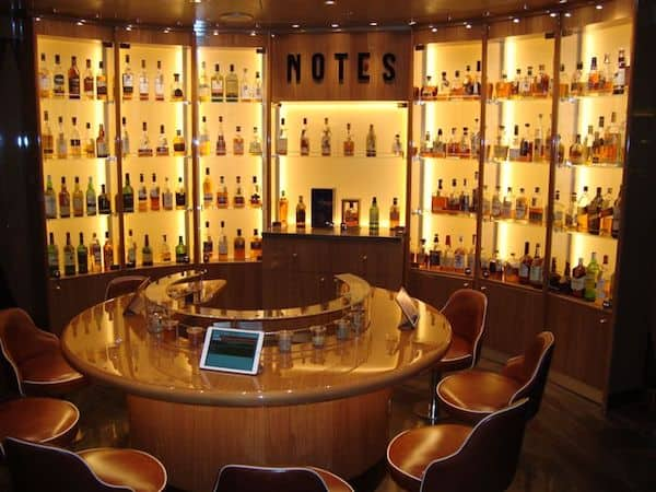 Notes, the whisky-tasting venue on Koningsdam