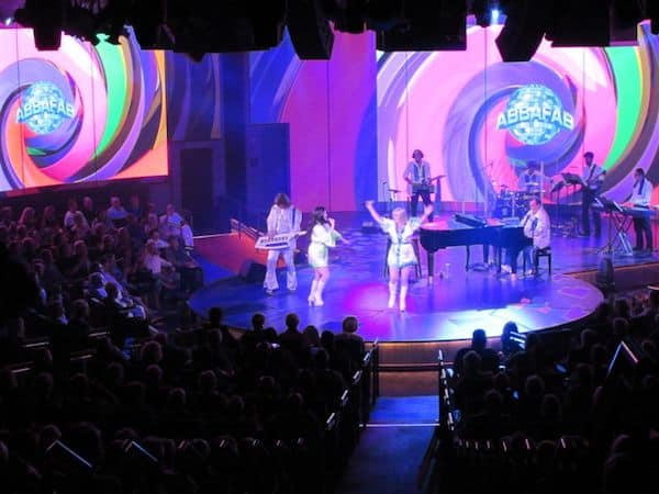 ABBA in the (almost) round theatre on Koningsdam