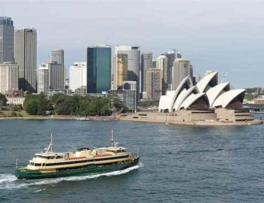 Sailing into Sydney Harbour