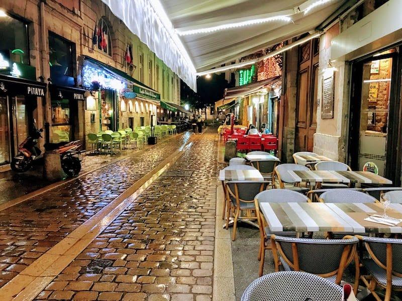 Rainy night on Rue de Marrioniers
