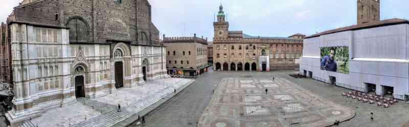 San Petronio Basilica overlooks the Piazza Maggiore in Bologna (Credit: Jerome Levine)