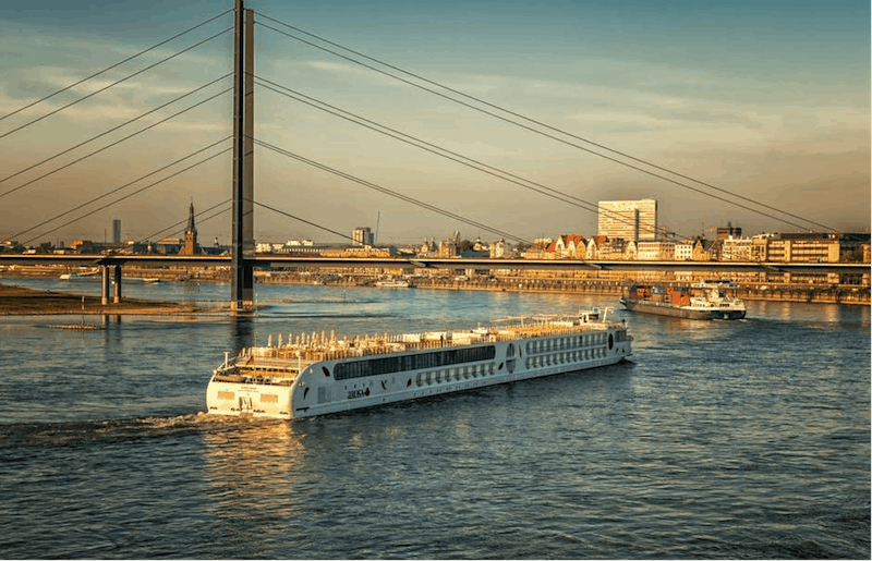 Iconic river cruise