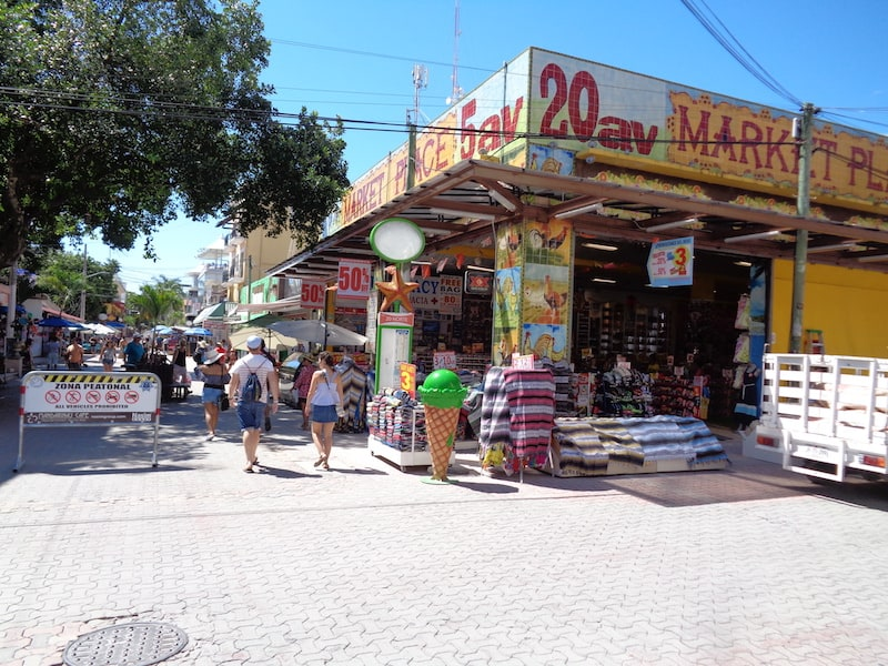 A stroll on 5th Avenue in Playa del Carmen