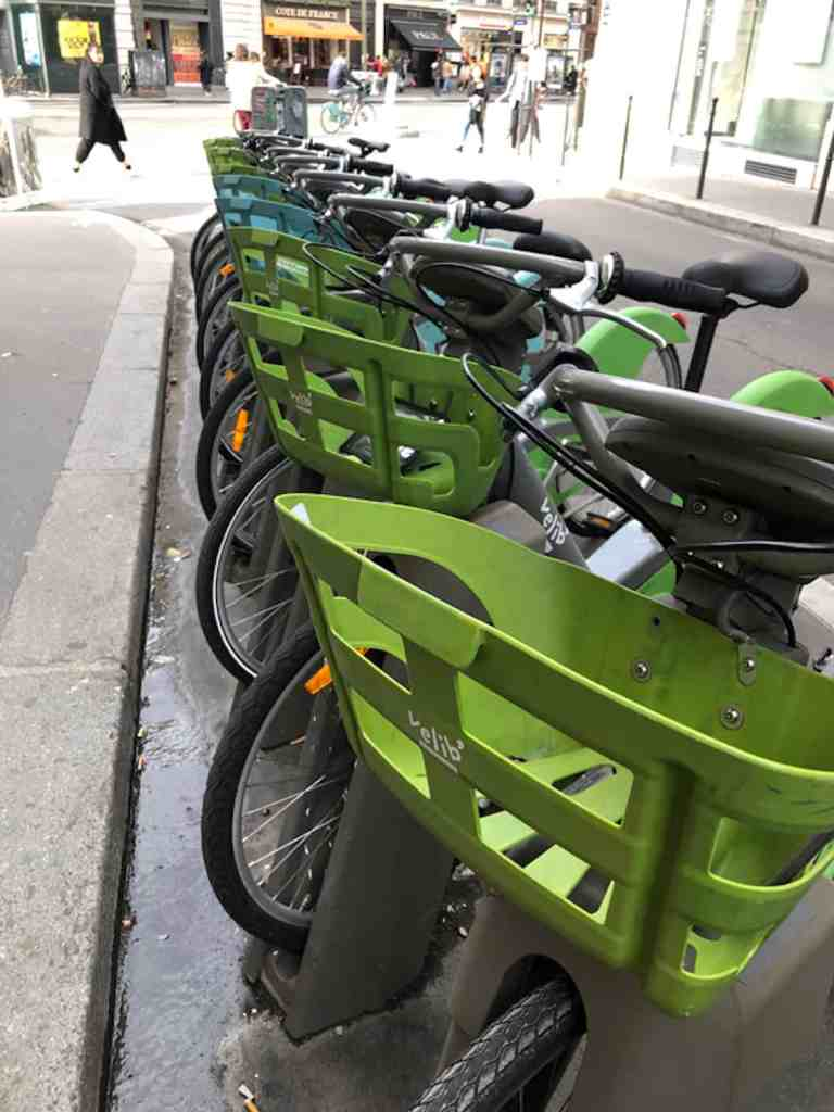 Surprises in Paris - Bicycles for Rent