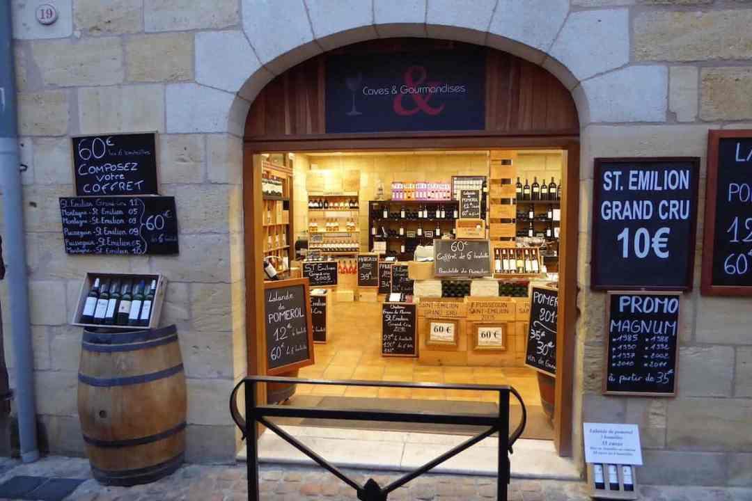 wine shop in Saint-Emilion