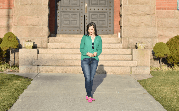 green tunic skinny jeans fushia suede loafers