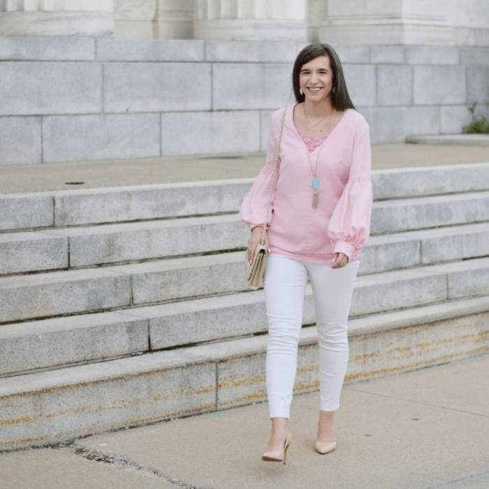 white skinny jeans-pink bishop top-turquoise rayne necklace-nude pumps