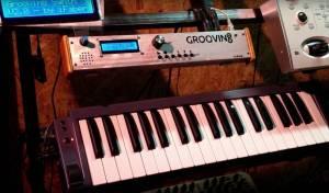 roovin8 sintetizzatore audio MIDI