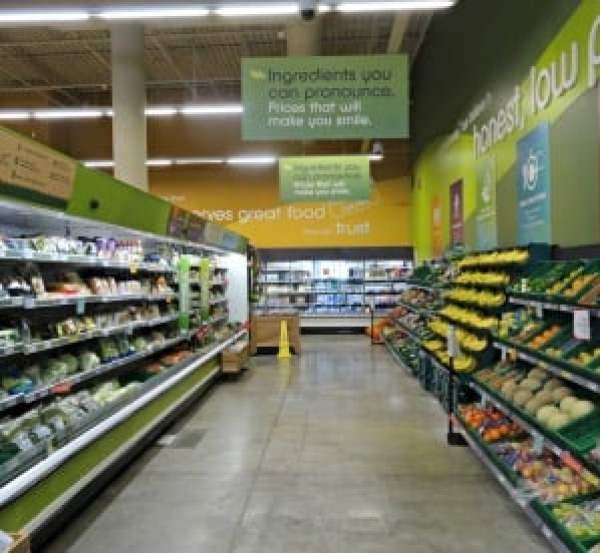Fresh & Easy inside store