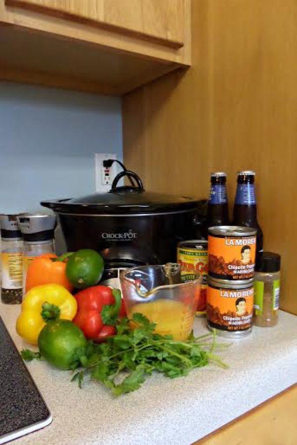 crock pot carnitas ingredients