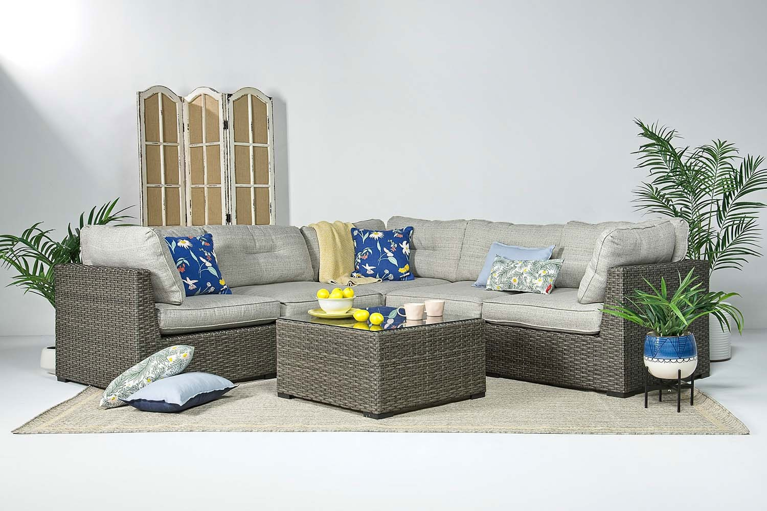 Montauk 5 Piece Patio Sectional   Mor Furniture on 5 Piece Sectional Patio Set id=27113