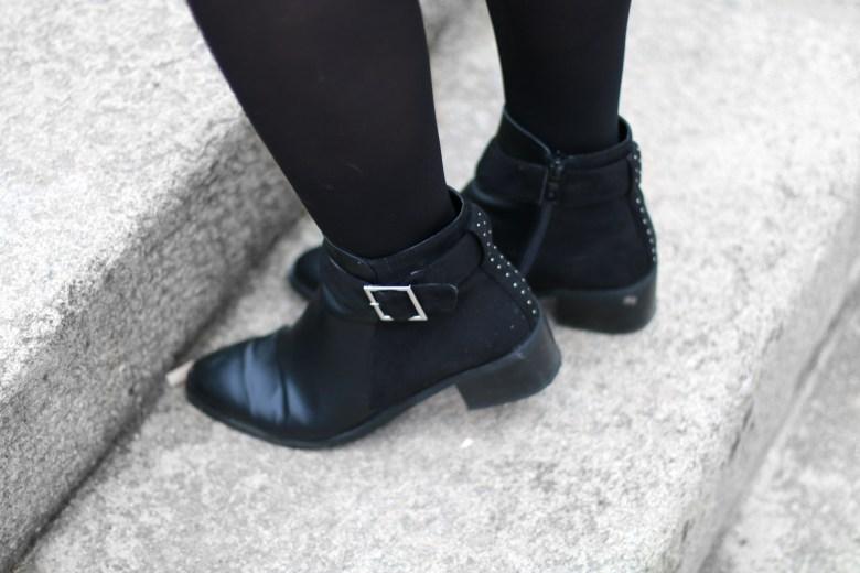 boots femme cloutes boucle