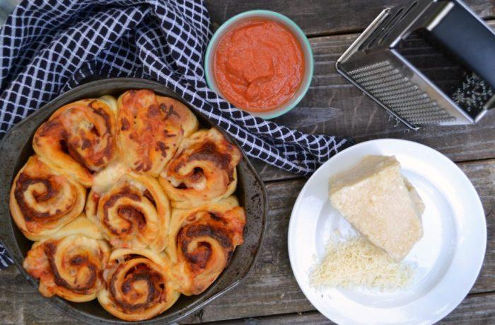 easy dinner, pizza dinner, pizza rolls, pizza dinner recipe, easy dinner recipe, pizza recipe, 4 ingredient dinner