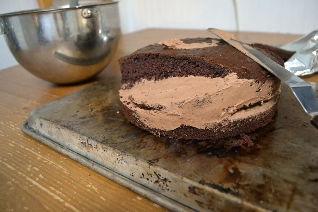 How To Frost A Cake Without An Offset Spatula