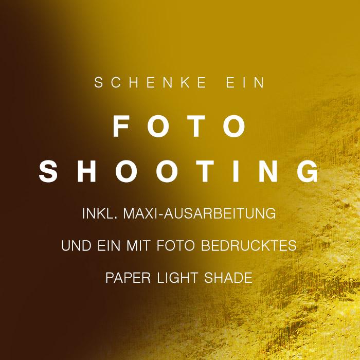 Schenke ein Fotoshooting inkl. Maxi-Ausarbeitung und ein mit Foto bedrucktes Paper Light Shade