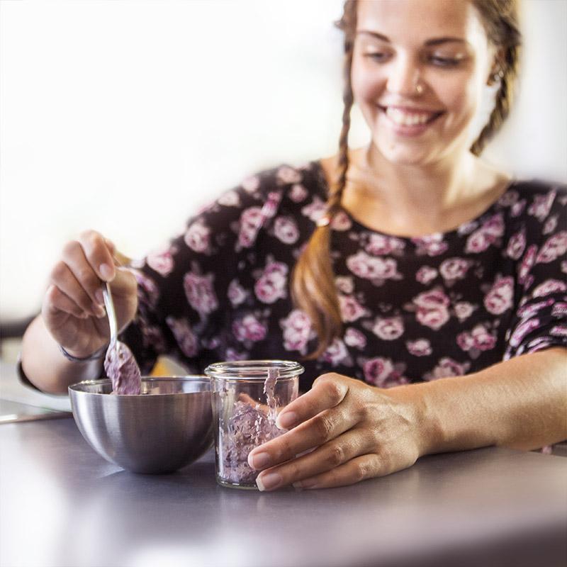 Heidelbeer-Creme in unserem PLS Glasschälchen
