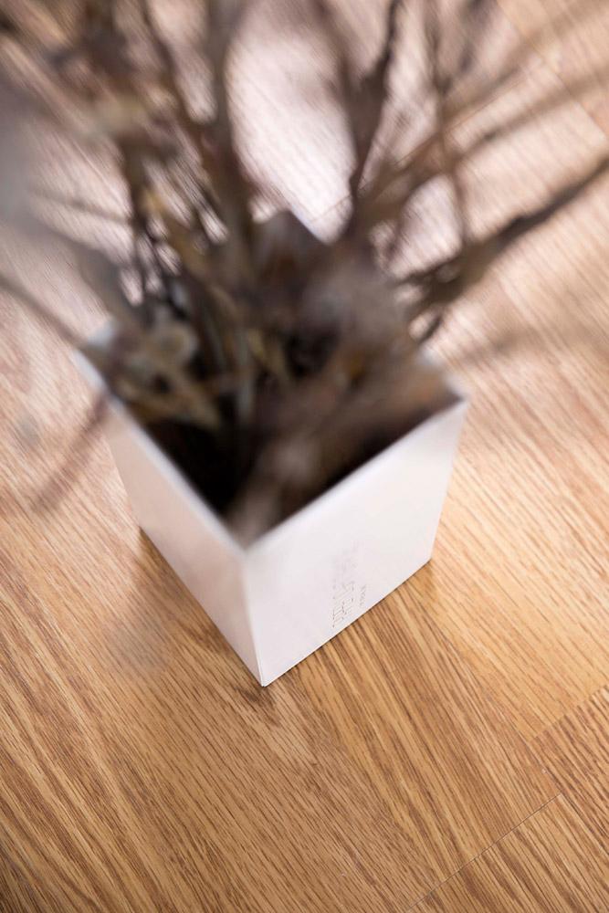 PAPER LIGHT SHADE-Schachtel - die Verpackung zweckentfremdet als Osterstrauch - aus dem Hause MORI