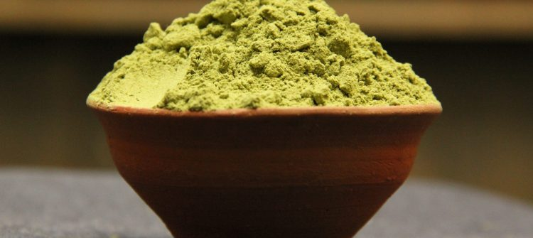 How to Consume Moringa Leaf Powder Properly