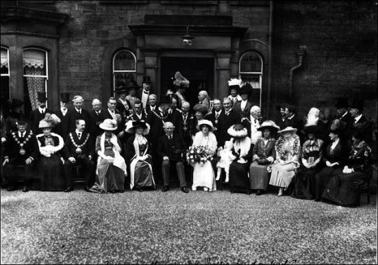 Mr Asquith with West Riding mayors at Mr. W.L.Ingle's garden party