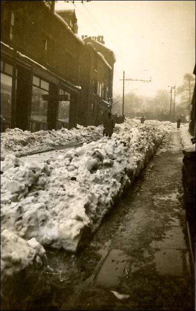 After the great snowstorm of February 1933 on Scatcherd Hill