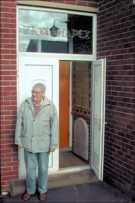 Entrance to the new Zion Chapel 2006, with Allan Metcalfe