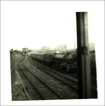 Express train to Tingley, passing through Morley Top Station