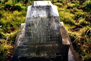 Gravestone of Joan, daughter of Harold and Mabel Middlebrook