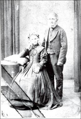Studio photograph of Sarah and Manoah Bentley