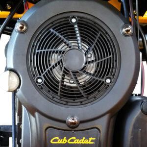 LT2_cubcadet_engine