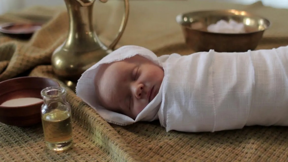 swaddling clothes